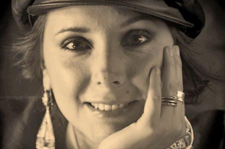 La-autora-Magali-Velasco-Vargas-PAG-22