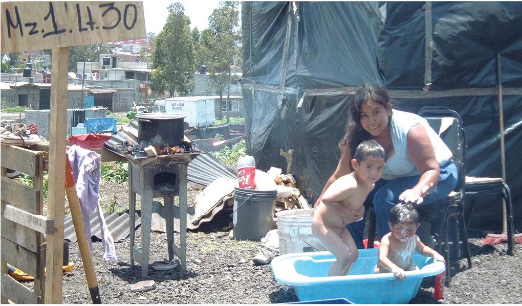Un regaderazo al aire libre (fotografía del archivo de la comunidad).