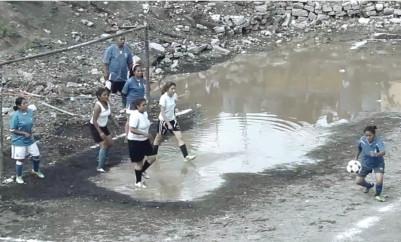 Sábado de futbol: Las Panchitas vs Las Indestructibles.