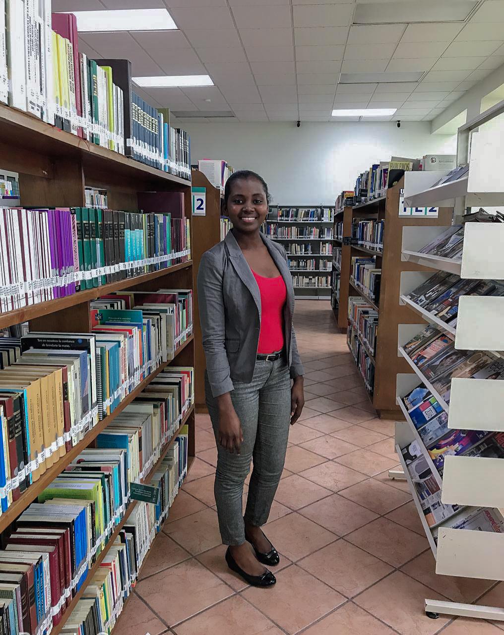 Gauchina Michaëlle busca aprender la cultura del país estudiando leyes. Fotografía por Flor Cervantes.