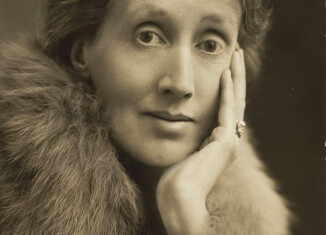 Virginia Woolf, 1927. Wikimedia.