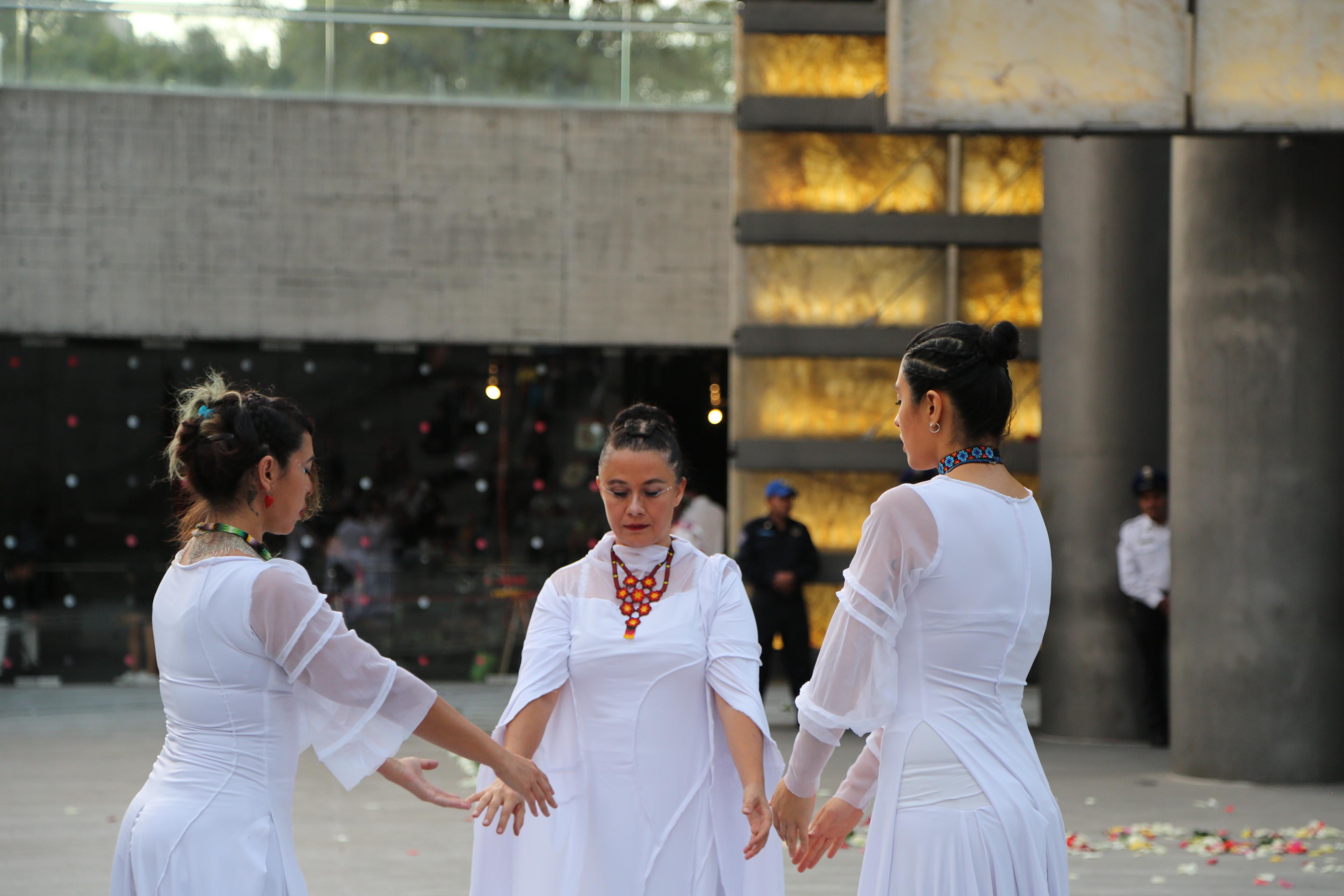 Performance 5.1 / Ritual Tecnochamánico por Bioscénica. Centro de Cultura Digital.