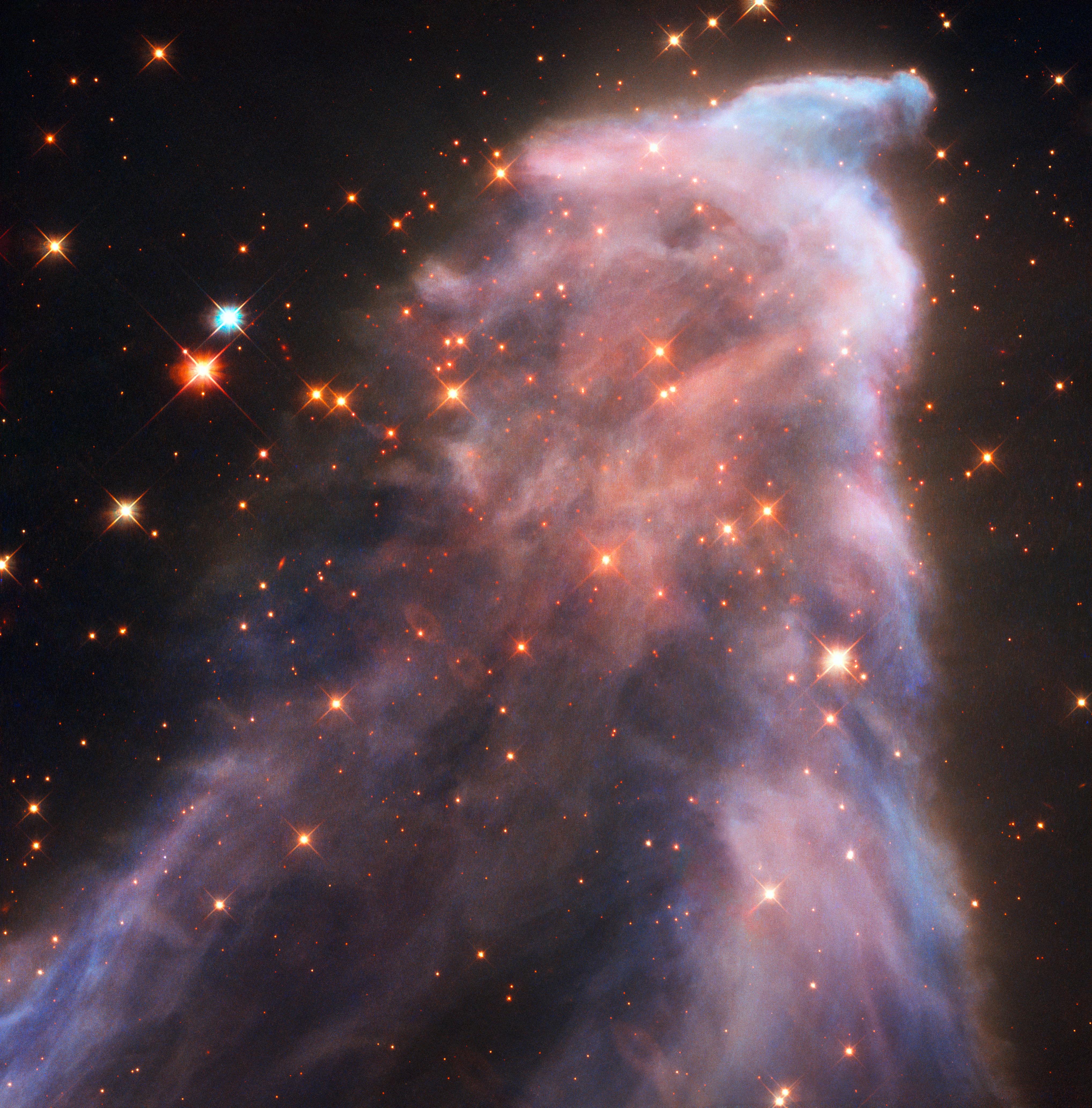 El fantasma de Cassiopeia también conocido como IC 63, ubicado a 550 años luz de la constelación de La Reina Cassiopeia. Imagen de NASA.