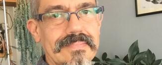 Eduardo Limón. Selfie de autor.